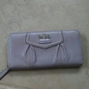 Coach ashley lilac leather wallet